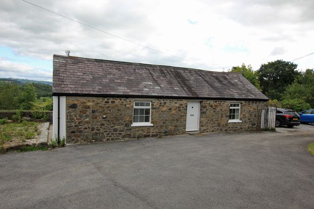Thumbnail Detached house to rent in Penybanc Isaf, Nantgaredig, Carmarthen, Carmarthenshire
