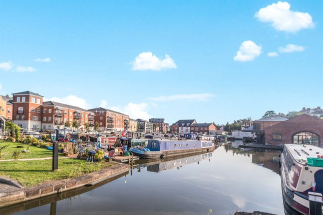 Thumbnail Flat for sale in Layland Walk, Worcester