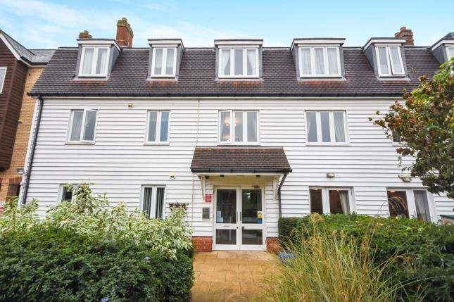 Thumbnail Property for sale in Roche Close, Rochford, Essex