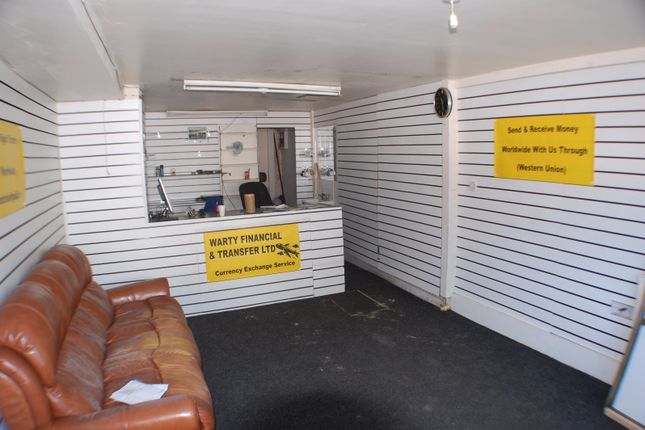 Retail premises to let in Barnsley Road, Sheffield, South Yorkshire