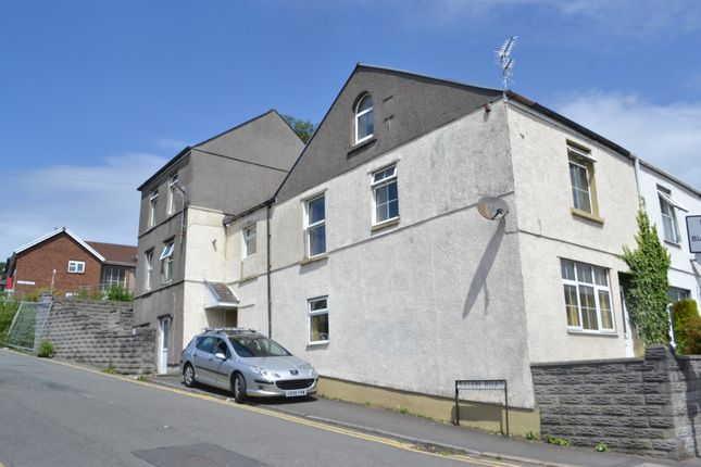 Thumbnail Flat to rent in Neath Road, Plasmarl, Swansea