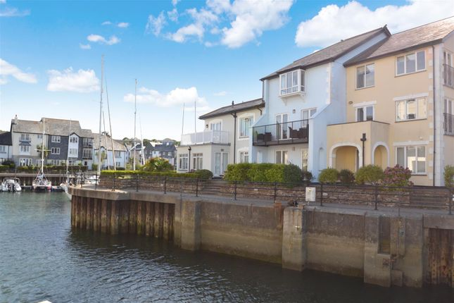 Thumbnail Terraced house for sale in Campbeltown Way, Falmouth