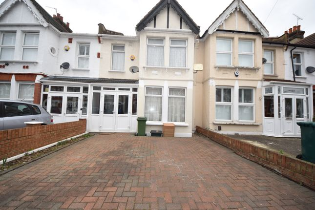 Thumbnail Terraced house to rent in Quebec Road, Ilford Essex