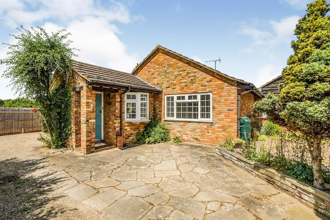Thumbnail Bungalow for sale in Heather Mead, Edlesborough, Dunstable