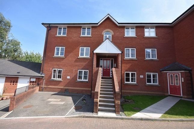 Thumbnail Flat to rent in Lewis Crescent, Exeter