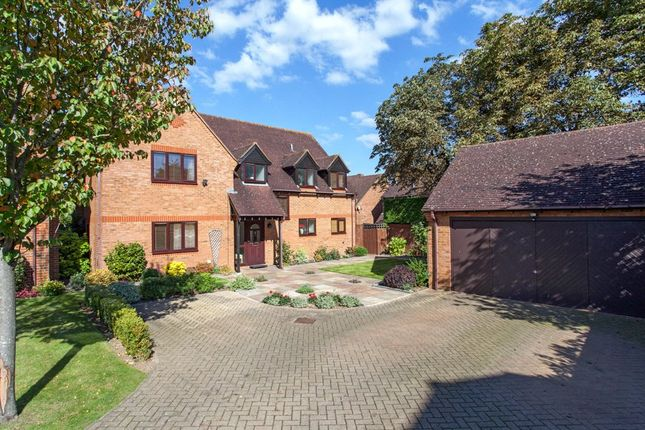 Thumbnail Detached house to rent in The Hawthorns, Charvil, Berkshire
