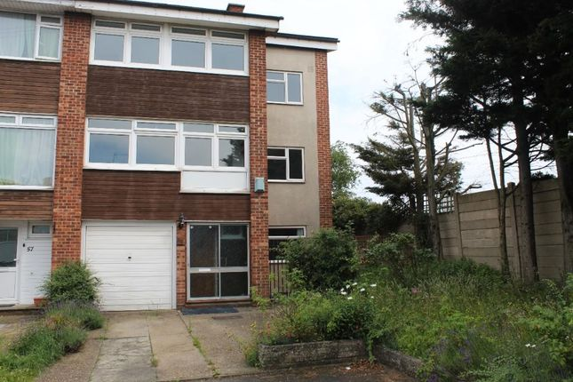 Thumbnail Town house to rent in Petworth Way, Hornchurch, Essex