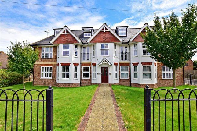 Thumbnail Flat for sale in Maidstone Road, Paddock Wood, Tonbridge, Kent