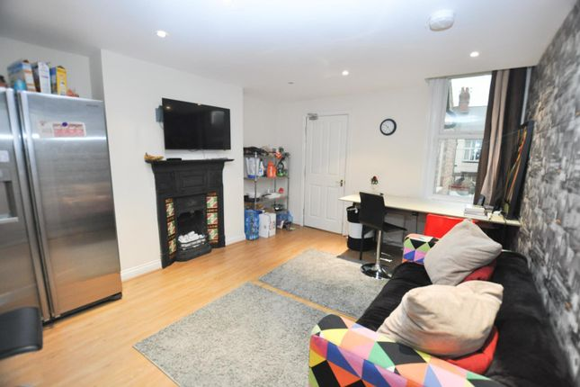 Thumbnail Maisonette to rent in Newlands Road, Jesmond, Newcastle Upon Tyne