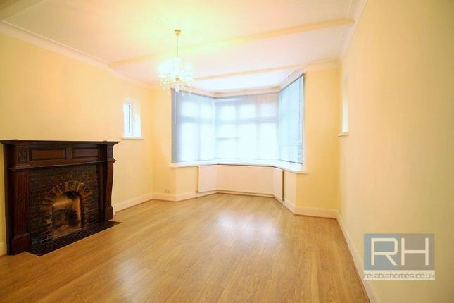 4 bed semi-detached house to rent in Nether Street, London