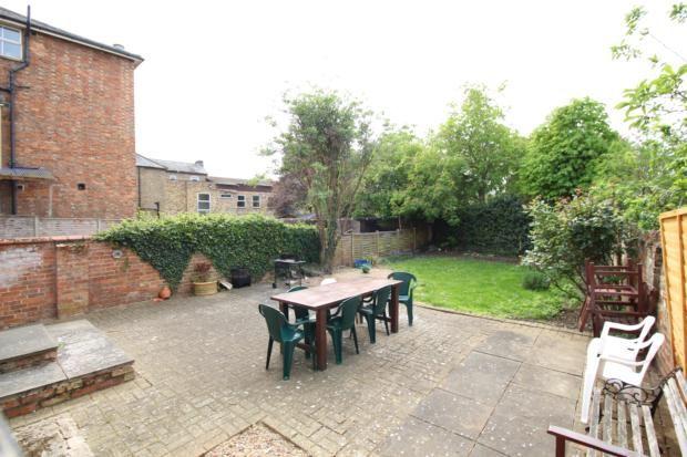 Communal Garden of Kimbolton Road, Bedford MK40