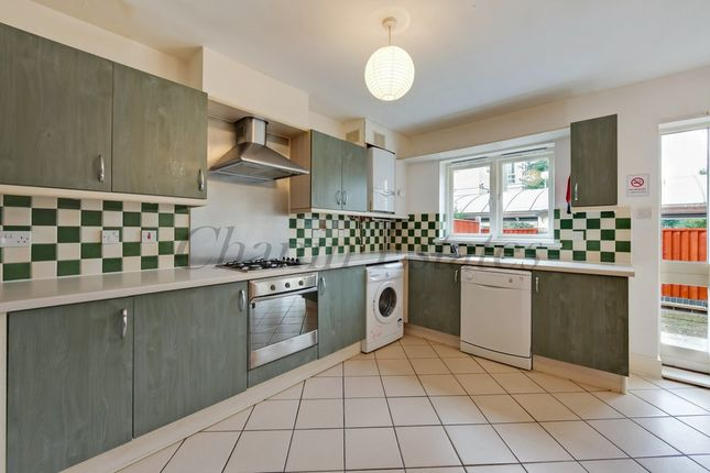 Thumbnail Town house to rent in Ferry Street, Docklands, London
