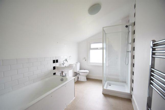Bathroom of Kings Road, Caversham, Reading RG4