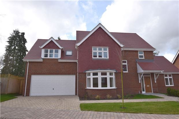 Thumbnail Detached house for sale in Copthorne Road, Felbridge, East Grinstead, West Sussex