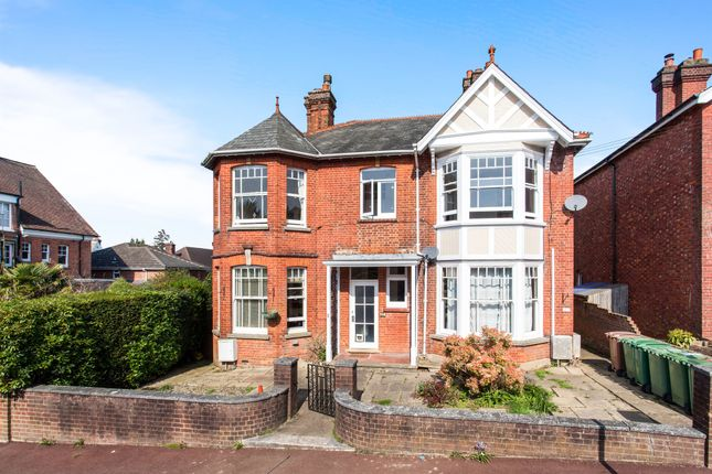 Thumbnail Maisonette for sale in Oakdale Road, Tunbridge Wells