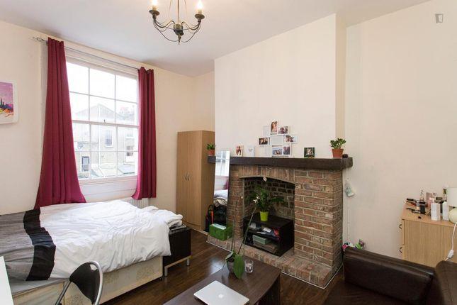Room to rent in Englefield Road, Islington