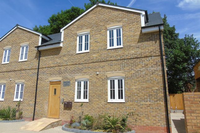 Thumbnail Flat to rent in St Albans Road, Watford, Herts