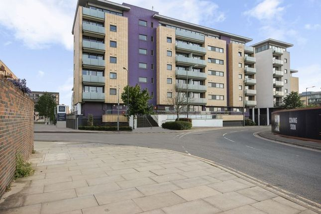 Thumbnail Flat for sale in Gallions Road, London