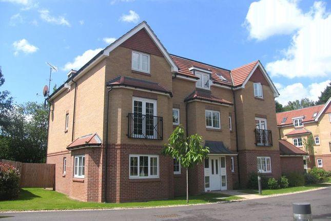 Thumbnail Flat to rent in St. Dominic Close, Farnborough