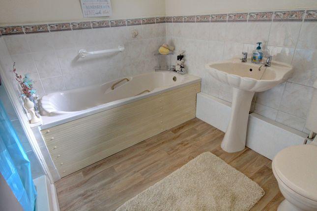 Bathroom of Wyndmill Crescent, West Bromwich B71