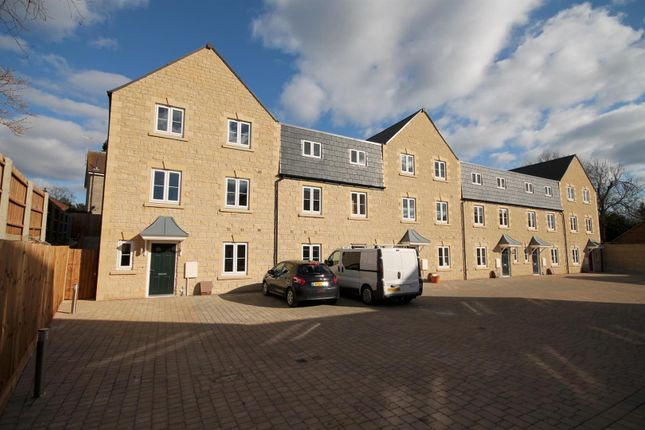 Thumbnail Property to rent in Woodbridge Mews, Stamford