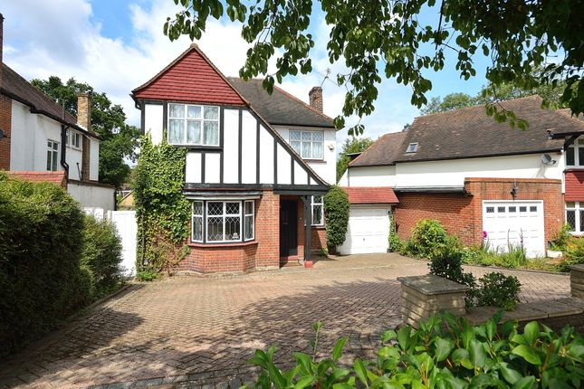Thumbnail Detached house for sale in Greenway, Southgate