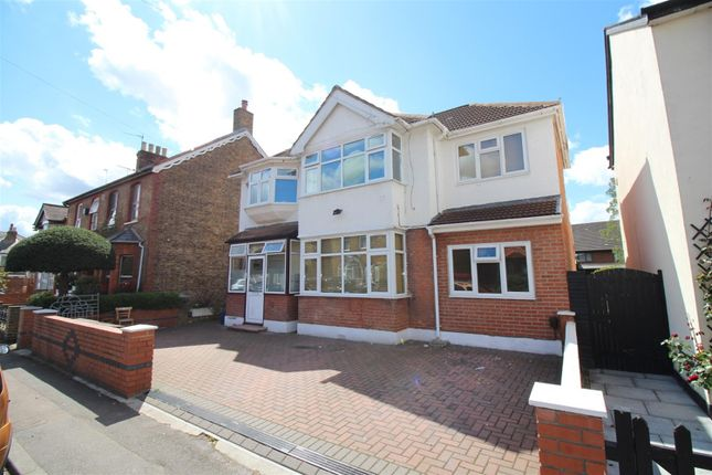 Thumbnail Detached house for sale in New Road, Bedfont