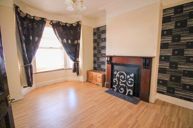 Lounge of Earlesmere Avenue, Balby, Doncaster DN4