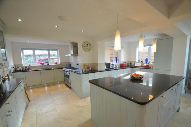 3 bed detached house for sale in Bath Road, Leonard Stanley, Stonehouse