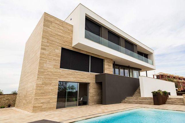 Thumbnail Villa for sale in Avenida De La Torre, 03190 Pilar De La Horadada, Alicante, Spain