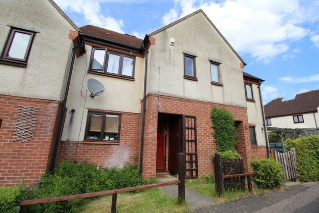 2 bed property to rent in Runnalow, Letchworth Garden City