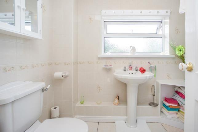 Bathroom of Longfield Avenue, Fareham PO14