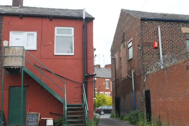 Thumbnail Flat to rent in Ashton Road, Oldham