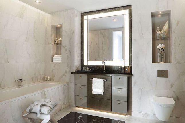 Luxury Bathroom of Luxurious Riverside Apartment, Belvedere Gardens, London SE1