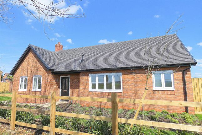 Thumbnail Bungalow for sale in Church Road, Newbold On Stour, Stratford-Upon-Avon