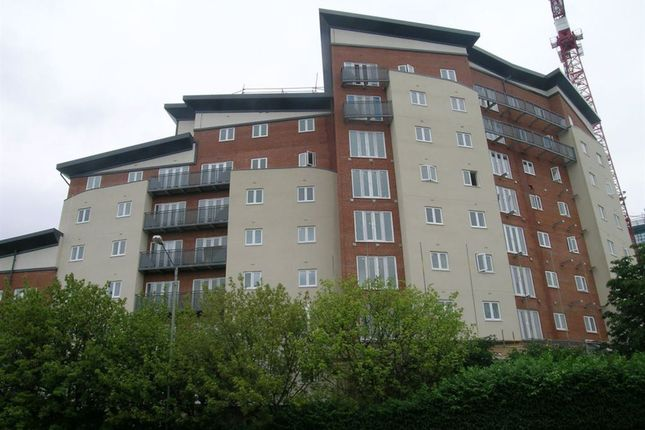 1 bed flat to rent in Aspects Court, Slough
