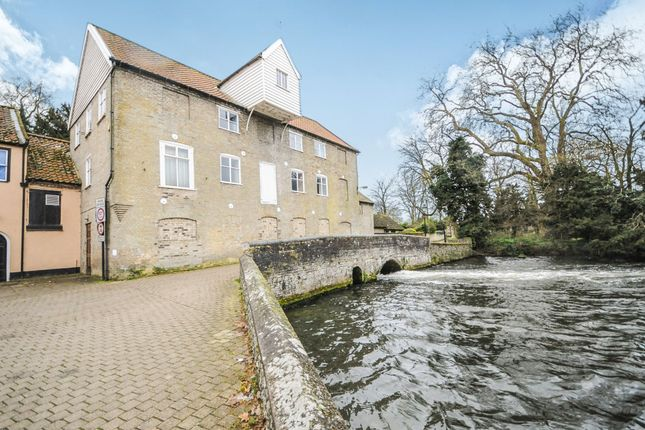 Thumbnail Property for sale in Bridges Walk, Thetford