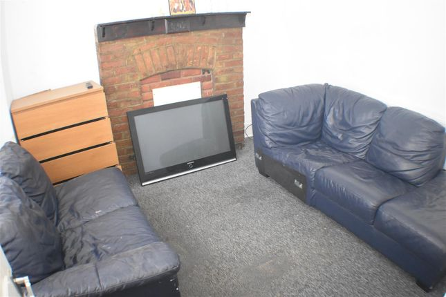 Thumbnail Property to rent in Tramway Avenue, London