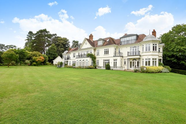 Thumbnail Flat to rent in Priory Road, Sunningdale, Ascot