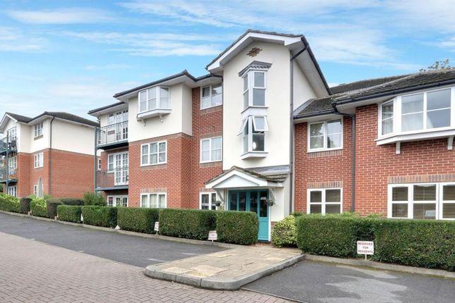 Thumbnail Flat to rent in Moorfield Road, Denham, Uxbridge