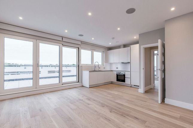 Thumbnail Penthouse to rent in Manor Road, Sidcup