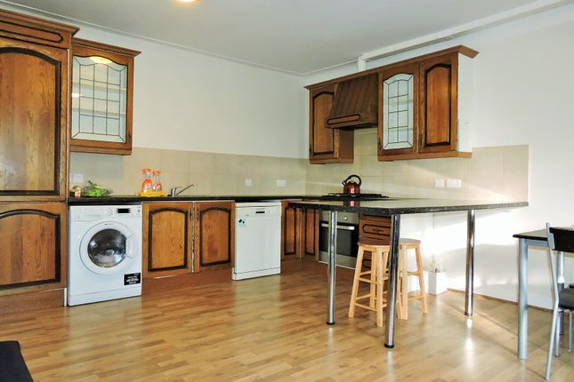 Thumbnail Flat to rent in Seven Sisters Road, Manor House