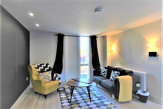 Thumbnail Property to rent in Roof Gardens, Bentinck St, Castlefield