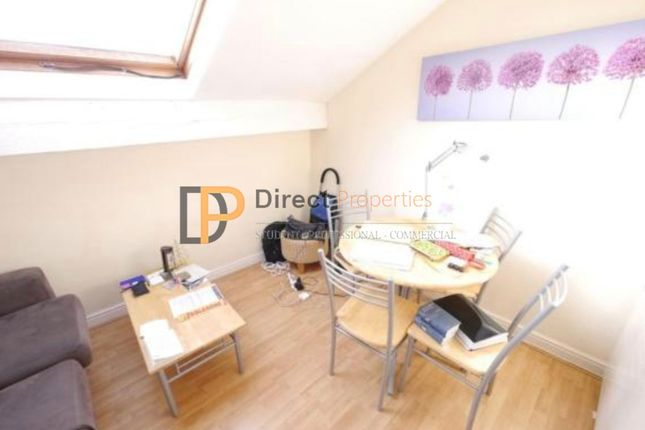 1 bed flat to rent in Woodsley Road, Hyde Park, Leeds