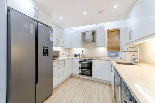 Thumbnail Flat to rent in Park Road, Kingston, Kingston Upon Thames