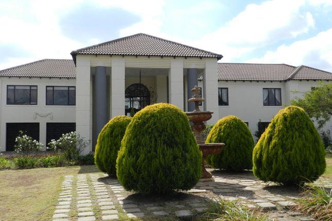 Thumbnail Villa for sale in Shetland Road, Beaulieu, Midrand, Gauteng, South Africa