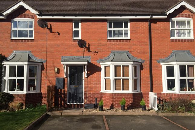 Thumbnail Terraced house for sale in Young Close, Warwick