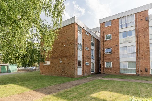 Thumbnail Flat for sale in Avalon Close, Enfield, Greater London