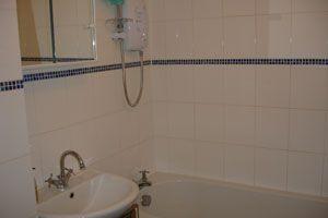 Bathroom of Woodpecker Mount, Pixton Way, Croydon CR0