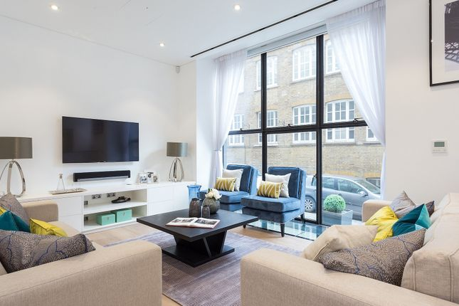 Thumbnail Town house to rent in Kenrick Place, London